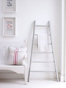 antique-ladder-towel-rail