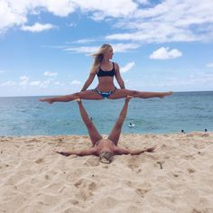 Impressive and Challenging Yoga Poses Bikram Yoga, Ashtanga Yoga, Sport Fitness, Yoga Fitness, Body Women, Yoga Poses For Two, Two Person Yoga Poses, Couples Yoga Poses, Partner Yoga Poses