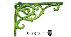 """Équerre décorative vert antique en fonteJolie équerre décorative en fonte brut créer un décor incomparablehauteur 6""""projection 9 1/4""""largeur 1 1/8"""" au niveau des attachevis non incluses"""
