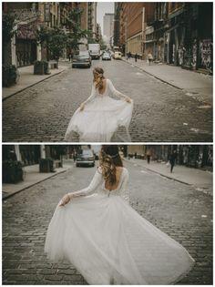 Hola soy PabloLaguiafotógrafo de bodas, y hoy os quiero enseñar el post  mas especial que he realizado hasta el momento, MI BODA ENNEWYORK.  Lopodíahaber llamado de mil maneras editorial enNewYork…, pero me  decidí por este nombre por varios motivos.Esta Historia comienza cuando  conocí a Ana, la que a día de hoy es mi mujer.Cuando la conocí ella vivía  en esta increíble ciudad y después de New York, Madrid y 5 años juntos me  decidí a dar el gran paso y lepedímatrimonio. Como no…
