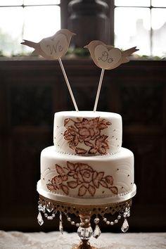 A glamorous love-birds wedding cake! {BMELLO-PHOTO, Cake: Elma Campion}