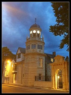 Oxford Walking Tours, Oxford Accommodation, Holywell Bed and Breakfast. Summer in Oxford