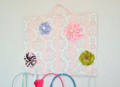 hair bows & necklace organization for the littles-to make