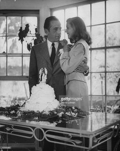 It was today in 1945 that mega-stars Humphrey Bogart and Lauren Bacall married at Malabar Farms in Ohio. Hollywood Couples, Old Hollywood Movies, Old Hollywood Glamour, Golden Age Of Hollywood, Vintage Hollywood, Hollywood Stars, Classic Hollywood, Humphrey Bogart, Looks Style