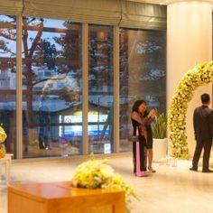 #yellow #weddingtheme #flowerdecoration #flowergate #gallerytable #receptiontable #pingpong #welcomedrinks Flower Decorations, Wedding Decorations, Reception Table, Ho Chi Minh City, Yellow, Flowers, Florals, Wedding Decor, Flower