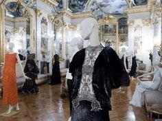 La moda española en el Museo Cerralbo de Madrid. Hannibal Laguna, Victorian, Madrid, Dresses, Fashion, Vestidos, Exhibit Design, Museums, Libros