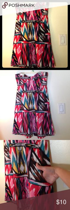 H&M Aztec Ikat Strapless Minidress This beloved dress comes with built in pockets!it's multi-colored and so much fun. Preworn but kept in good condition. Ask me any questions and open to trades or offers for this!  Also if you want to bundle you can save!! H&M Dresses Strapless