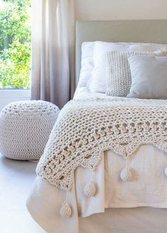 crocheted edge to knit blanket inspiration craftsKnitted but with a crochet edge. No pattern but looks straightforward.Gorgeous crochet blanket and poufLovely crochet blanket for bed footLove this crochet blanket worth pom poms. Crochet Quilt, Crochet Home, Love Crochet, Knit Crochet, Blanket Crochet, Crochet Garland, Simply Crochet, Crochet Bedspread, Modern Crochet