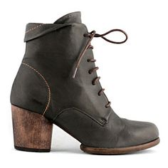 cool boots from re-soul online store