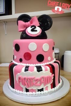 Minnie Mouse Cake – Sioux Falls Bakery