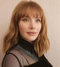 16 Fringes That Suit Everyone, According to Hair Experts Fringe Hairstyles: Bryce Dallas Howard with full fringe Full Fringe Hairstyles, Hairstyles With Bangs, Mid Length Hairstyles, Fancy Hairstyles, Everyday Hairstyles, Vintage Hairstyles, Straight Hairstyles, Braided Hairstyles, Wedding Hairstyles