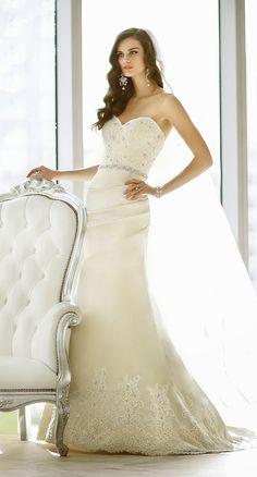 Essense of Australia 2014 Bridal Collection | bellethemagazine.com-------- THE ONE!!!!!