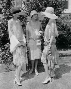 peterjaussie:   Style 1927  Repinned by www.fashion.net