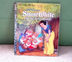 A  LITTLE GOLDEN BOOK-WALT DISNEY'S-SNOW WHITE AND THE SEVEN DWARFS-1984