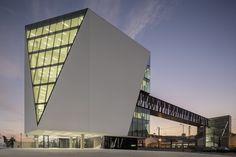 Biblioteca Municipal Vila Franca de Xira / Miguel Arruda Arquitectos Associados