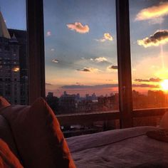 Sunset from bed. Apartment View, Dream Apartment, City Aesthetic, Aesthetic Bedroom, Pretty Sky, Window View, Dream Rooms, Ciel, Aesthetic Pictures