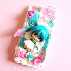 Custom kawaii decoden cocaloid Hatsune Miku phone case. I think it's lovely and I want it so badly.