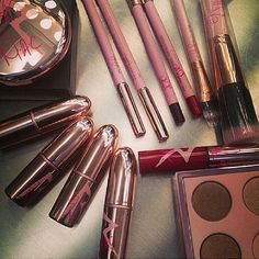RiRi Hearts MAC ( 3rd collection ) coming this Fall -October 3 ❤ .❤Lipsticks▶RiRi Woo – cool red (retro matte)▶Talk That Talk – Dark Plum (retro matte) ▶Who's that chick- Midtone Orange w/frost▶Nude – Cool Nude Cream❤Lipglass▶Riri Woo❤ProLongwear Lip Pencil▶Riri Woo – cool red ▶Talk That Talk – dark plum❤Eyeshadow Quads ▶Quad 1Copperplate eyeshadow Dirty coolChampagne colorBlack with Silver Pearl  Dirty Black Charcoal colorChocolate Bronze  ❤Blush Duo▶Hibiscus Kiss❤Blush▶Girl Gone Good