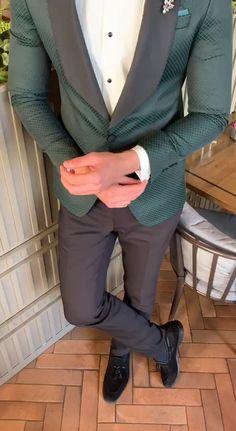 Dark Green Suit Men, Green Suit Jacket, Green Tuxedo, Grey Suit Men, Black Suits, Mens Casual Suits, Dress Suits For Men, Mens Fashion Suits, Mens Suits