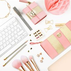 Desk management has never been so fashionably fun #Metrocity #MetrocityWorld #Pink #Stripes #Wallet #Pouch #Fashion #Style #Ootd