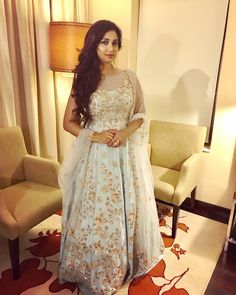 Shreya Ghoshal Hot, Most Popular, India Beauty, New Look, Designer Dresses, Bollywood, Beautiful Women, Singer, Nightingale