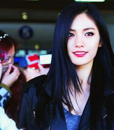 Nana from After School w/ Black hair.