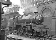 Stanier Jubilee class 45674 Duncan built at Crewe Dec 1935 and remained in service until October Diesel Locomotive, Steam Locomotive, Steam Railway, Train Times, Old Trains, British Rail, London Transport, Train Room, Steam Engine