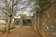 marco zanuso sr / coromandel farm villa, lydenburg Contemporary Architecture, Interior Architecture, Interior Design, Farm Villa, Highland Homes, Building Structure, Rustic, Landscape, Highlands