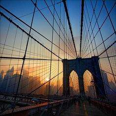 Google Image Result for http://www.photographymad.com/files/images/brooklyn-bridge.jpg