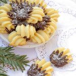 Fursecuri Spritate - Desert De Casa - Mara Popa Low Salt Recipes, Baking Recipes, Cake Recipes, Dessert Recipes, Toddler Finger Foods, Healthy Finger Foods, Romanian Desserts, Romanian Food, Jelly Cookies