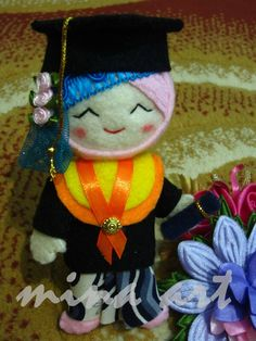 Cool ! Graduation doll felt