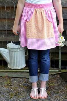 Auntie Dots Apron pattern from Pleasant Home