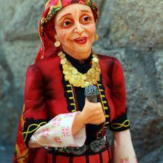 Valentina Terzieva Valentina's Sugarland  Lebe Deine Zuckerträume! Erlerne wie Du süße und einzigartige Zuckerfiguren gestalten kannst, die jede Torte zu etwas Besonderem machen!    Modellierkurse für Anfänger und Fortgeschriettene Workshops & Demonstrationen Intensive Einzelkurse