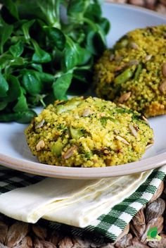 Kitchen vegan: Cutlets with millet and broccoli Healthy Cooking, Healthy Eating, Vegetarian Recipes, Healthy Recipes, Breakfast Menu, Vegan Dinners, Food Inspiration, Side Dishes, Food Porn