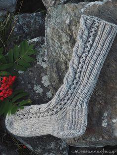 Knitting Charts, Knitting Socks, Mittens, Needlework, Combat Boots, Diy And Crafts, Slippers, Crochet, Pattern