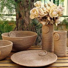 I Heart Organizing: A Darling DIY Rope Basket Jute Crafts, Diy Home Crafts, Diy Home Decor, Sisal, Rope Decor, Rope Art, Rope Basket, Diy Art, Diy Furniture