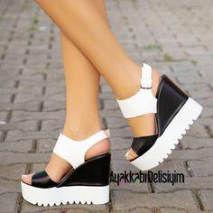 Kalın Beyaz Topuklu Yazlık Bayan Ayakkabı Modelleri - Women Shoes Fashion (5)