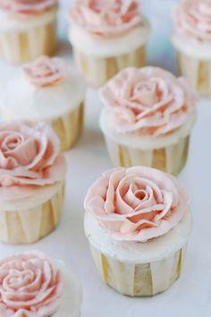 Charmingly elegant, endlessly pretty Pink Rose Cupcakes, #wedding #beautiful #pink #flowers #cupcakes #cake #baking #food #dessert #entertaining