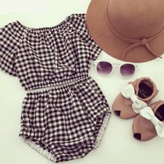 Fashionable 2 piece Plaid Black & White Set. (hat, glasses, shoes not included) Pinterest : @uniquenaja†