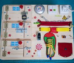 "22 kedvelés, 1 hozzászólás – Мастерская🏠ТЕРЕМОК (Бизиборды) (@masterskayateremok) Instagram-hozzászólása: ""Наш бизиборд украсит любую детскую комнату, создаст новогоднее настроение и будет долго радовать…"""
