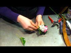 Een corsage maken - YouTube