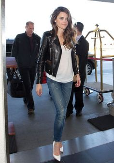 Keri Russell in jeans and a leather jacket