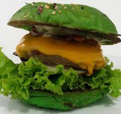 A Que Se - Pão de pimenta verde, Maionese de ervas finas A, Alface, Tomate, Cebola Branca, A Burger 120g, Cheddar, Bacon e mais Maionese de Ervas Finas. #artesanalburger #aburgervalqueire #aburgerdelivery #foodtruckrj #vilavalqueire #praçaseca #burger