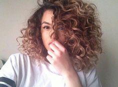 Kıvırcık Saçlar İçin 20  Kısa Saç Modelleri 2016 – 17