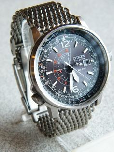 "Impressions of the new ""shark"" heavy mesh bracelet. - Seiko & Citizen Watch Forum"
