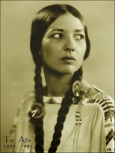 Entertainer Te Ata Fisher taught people in America and Europe about her own Chickasaw folklore but also about the legends and customs of many other indigenous peoples.
