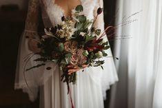 Poartă cu tine tot ce e mai blând și mai frumos. Buchetul tău vorbește despre tine. 📷 @landofwhitedeer   bouquet @mugurdezof   Mai, Instagram