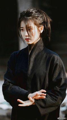 IU 💕 | Lee Jieun* Korean Actresses, Korean Actors, Korean Girl, Asian Girl, Korean Short Hair, Bushido, 3 4 Face, Iu Fashion, Ulzzang Girl