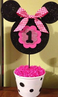 I have some Mickey heads in my etsy shop (MousePartyHouse) that would work great with this idea~ Minnie Mouse birthday centerpiece Minie Mouse Party, Minnie Mouse First Birthday, Minnie Mouse Theme, Minnie Mouse Baby Shower, Mickey Party, Mickey Mouse Birthday, First Birthday Parties, 2nd Birthday, Birthday Celebration