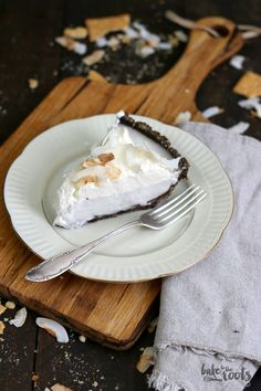 Delicious Chocolate Coconut Cream Pie | Bake to the roots